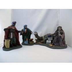 Caja 3 reyes adorando y  1 camello